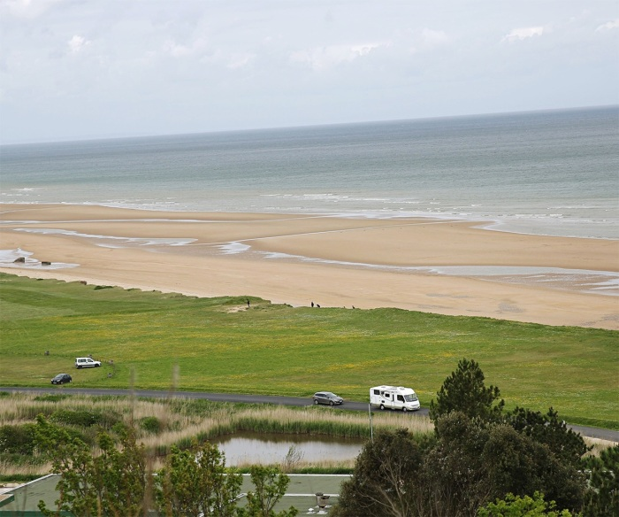 a-view-of-omaha-beach-on-001-1