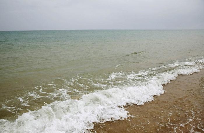 a-view-of-the-sea-at-nan-001