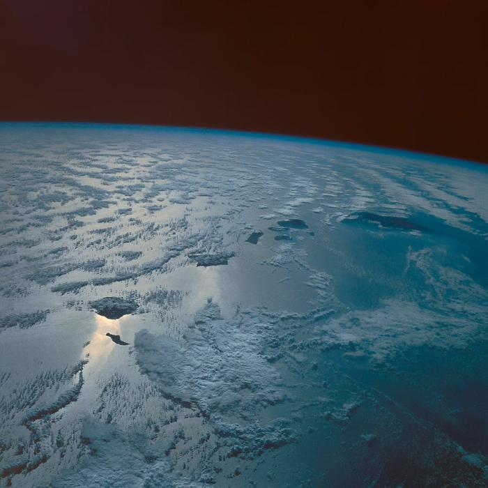 hawaiian-islands-taken-from-the-space-shuttle-stocktrek