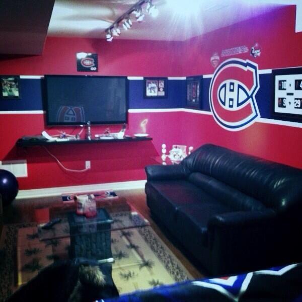 Man Caves Dedicated To NHL Teams