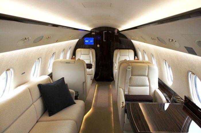 00Gulfstream-G200-private-jet-interior