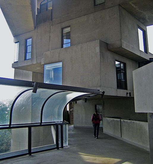 Habitat_67_Montreal_Close-up_cropped