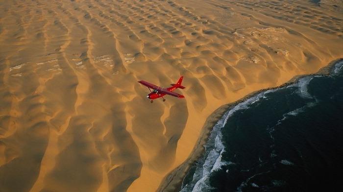 namib-desert-meets-sea-4[2]