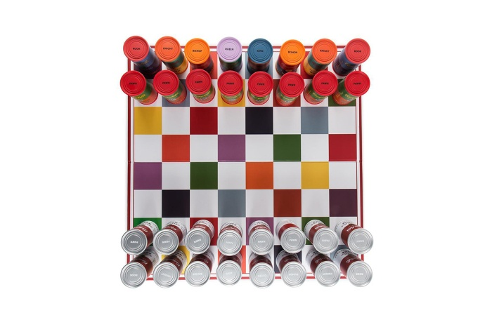 andy-warhol-campbells-soup-can-chess-set-04