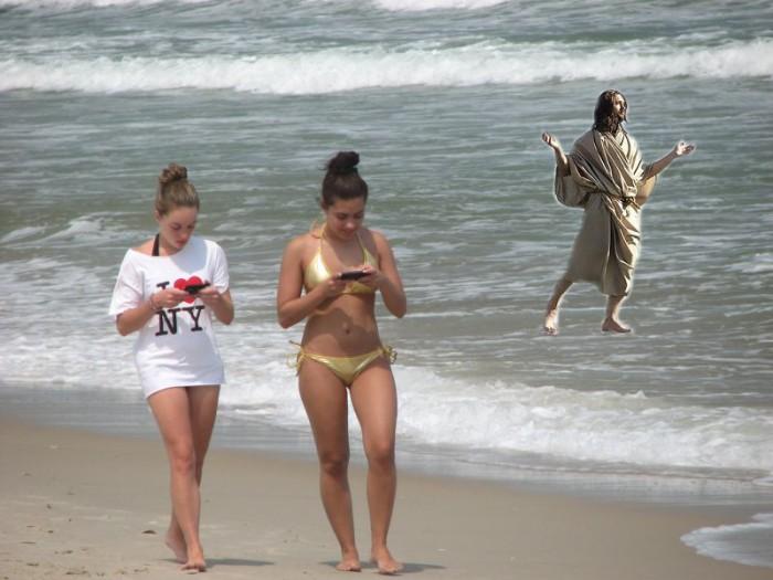 beach-texting1