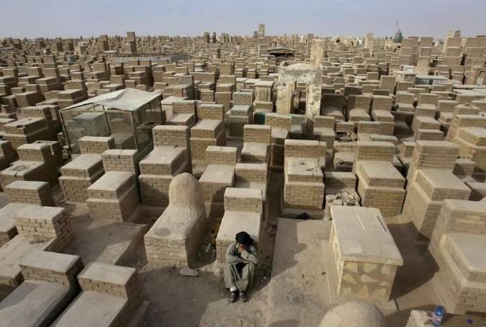 cementery Wadi-Al-Salaam-001