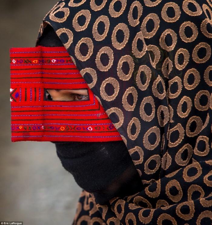 boregheh mask
